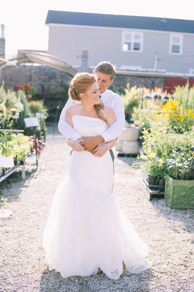 Urban gardening wedding pictures with bride and groom in Chicago