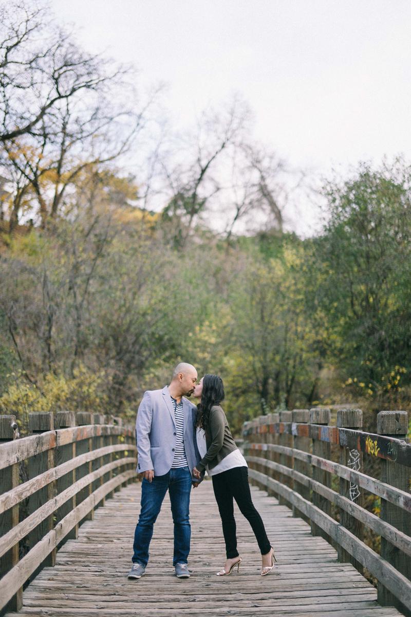 bridge engagement photos in Minneapolis