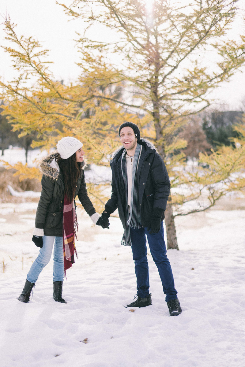 winter engagement photos minneapolis