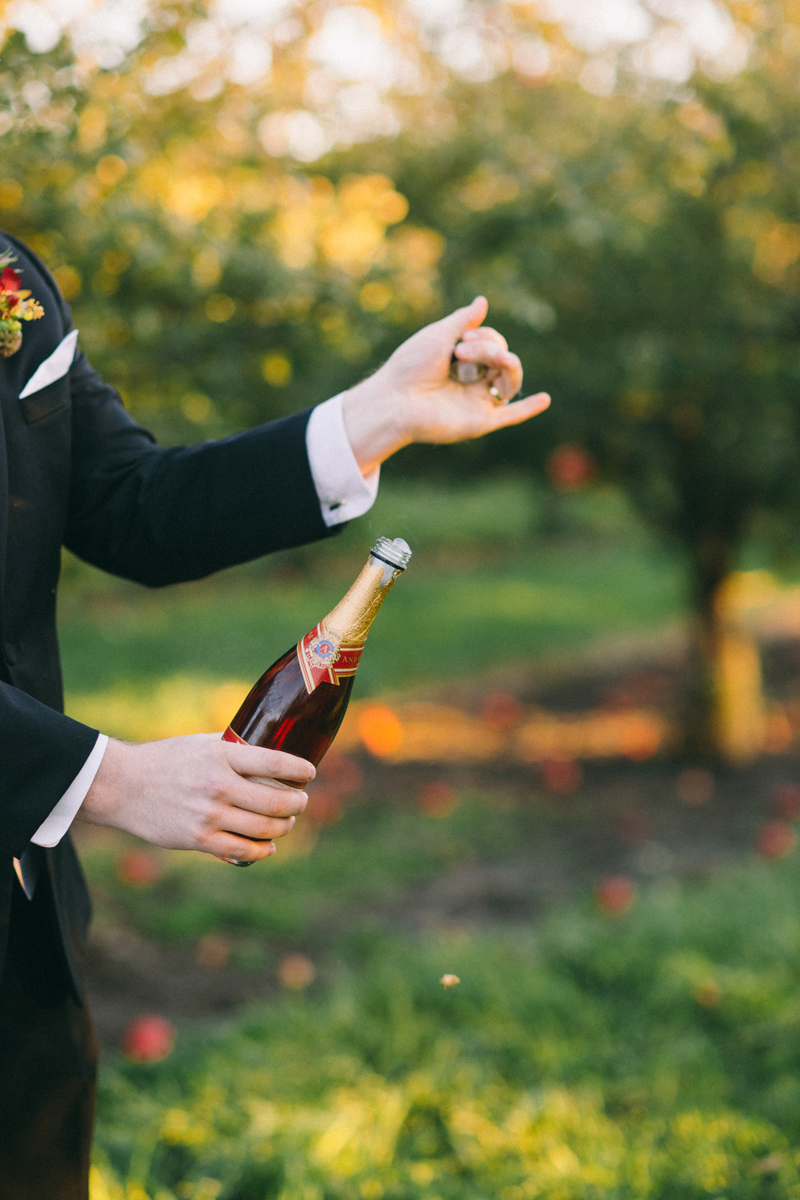 Minneapolis wedding photography details wine