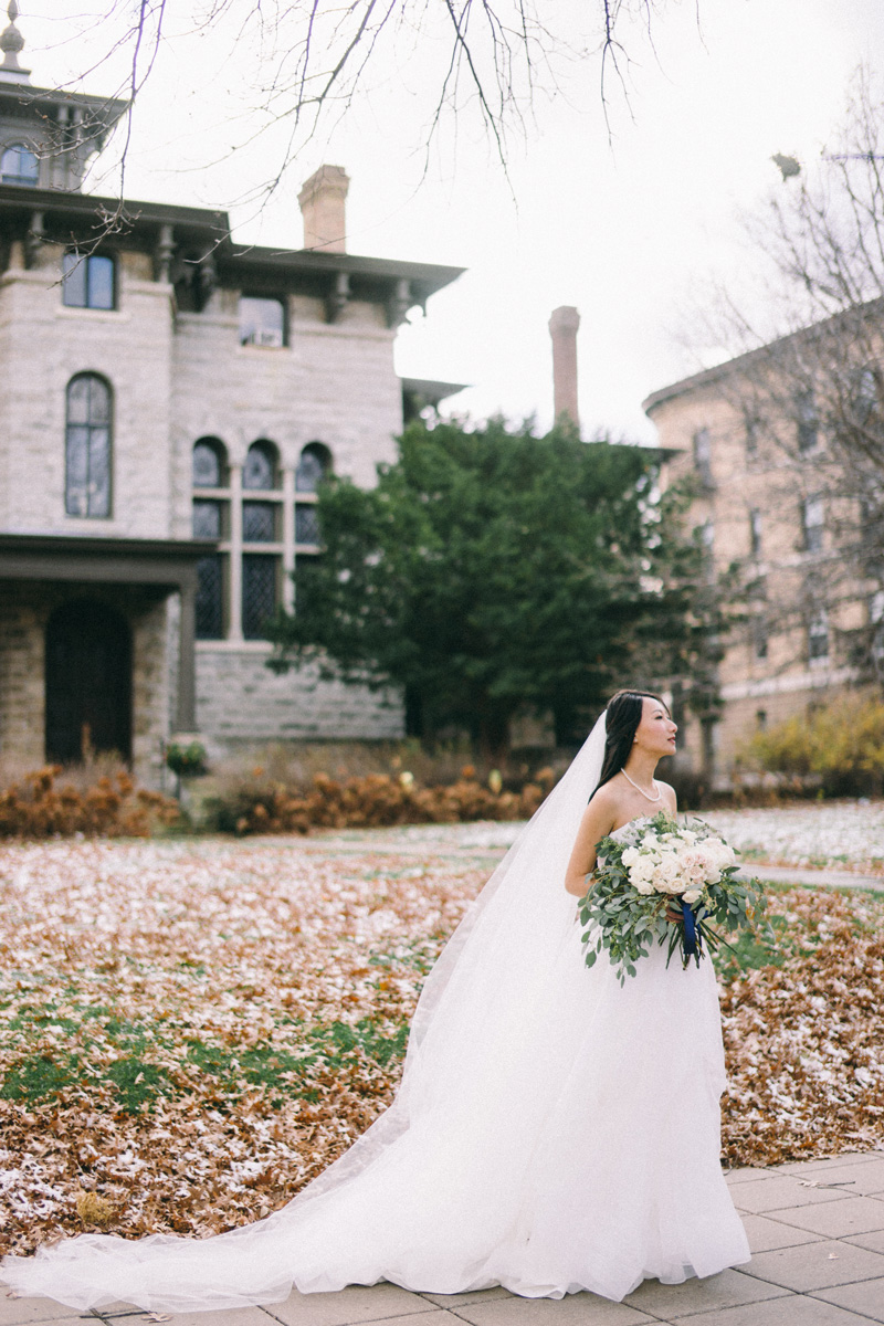 St Paul winter wedding bride and groom photos
