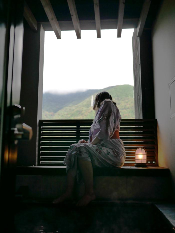 Hakone-hot-spring.jpg