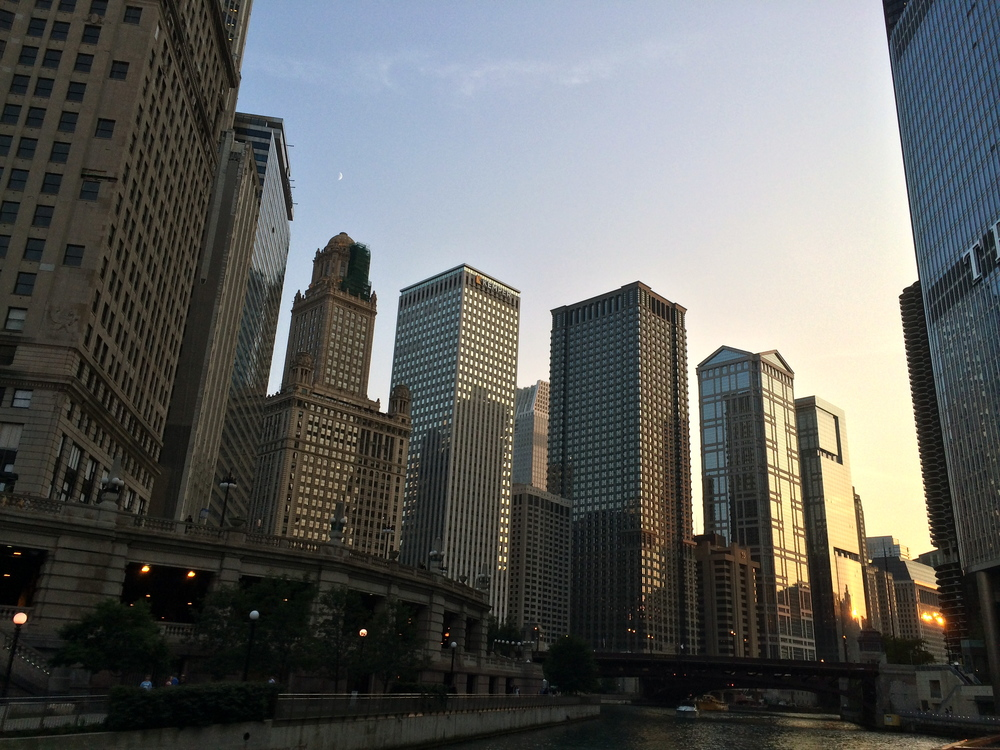 The downtown Loop's northern edge along the Chicago River