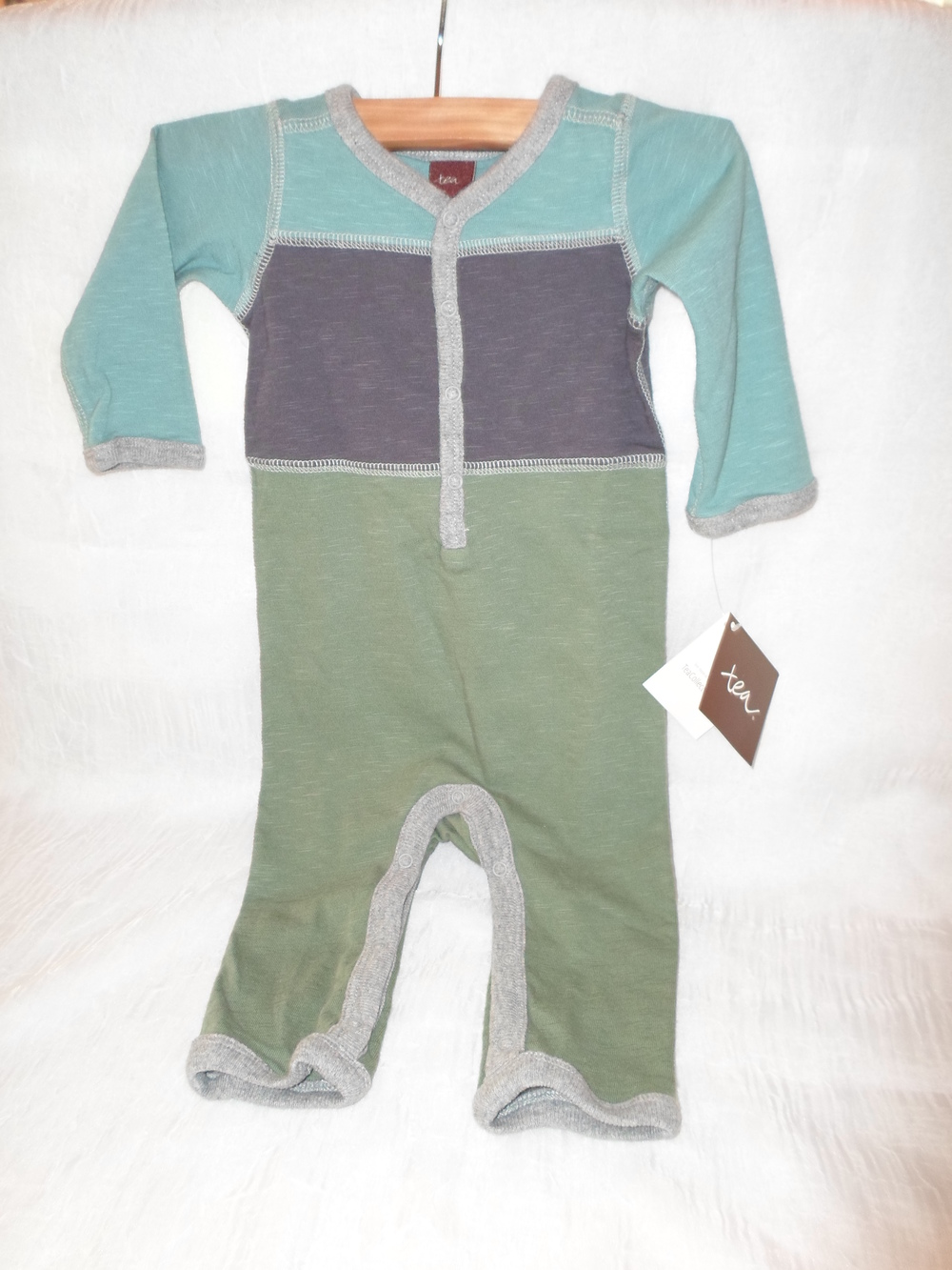 Tea Collection Colorblock Romper in 0-3month $35     Purchased