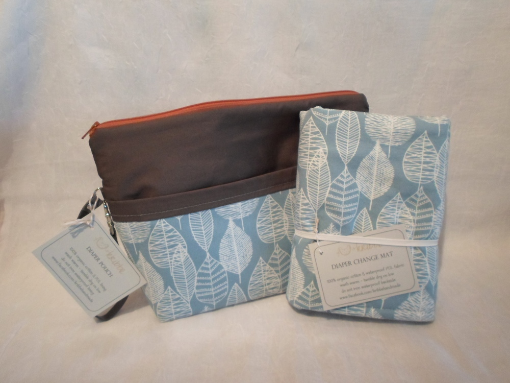 Kribbe Organic Diaper Pouch w/Changing Pad   Locally Handmade   $57.95    Wants 1