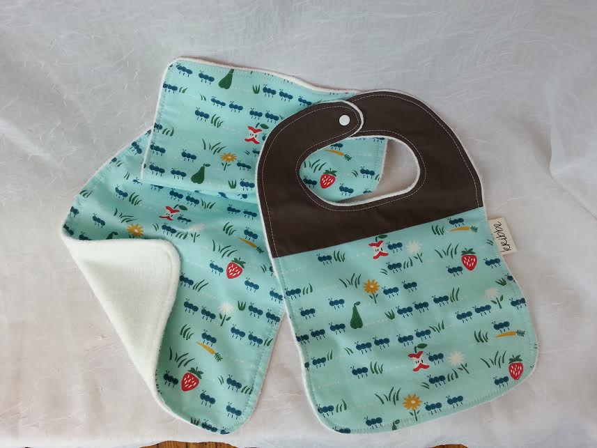 Kribbe Organic Bib and Burp Cloth set  -Locally Handmade   $27.00    Wants 1  purchased
