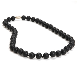 Chewbeads Jane Necklace in Black (Parent wears baby chews) $29.50 Wants 1 purchased