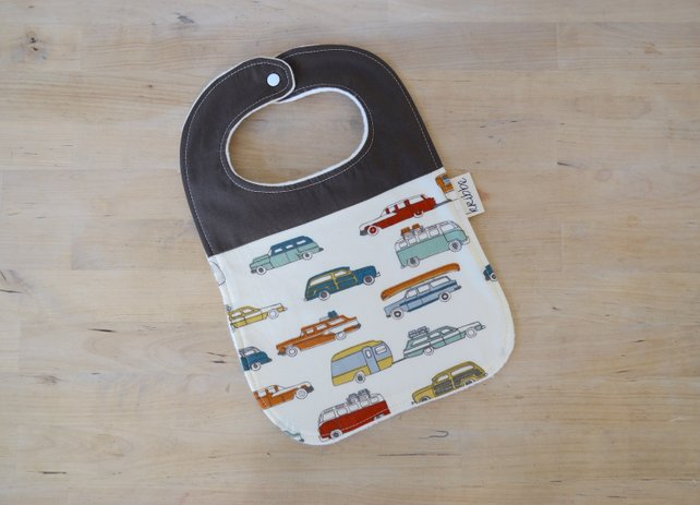 Kribbe Organic Bib in Cars  - Locally Handmade   $14.00    Wants 1