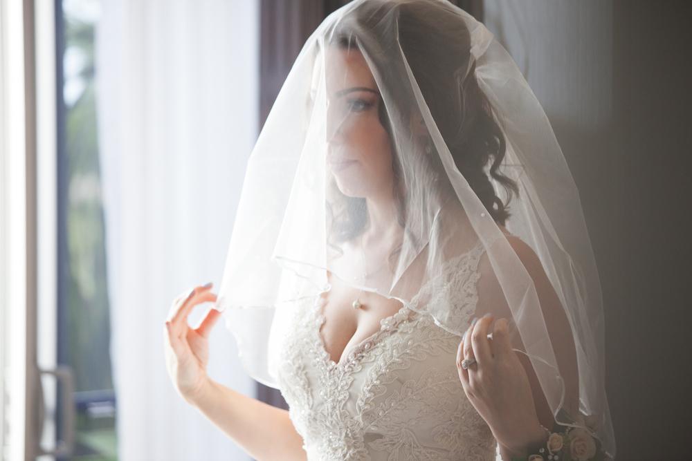 A Veil Pre Bridal Shot at the Horizons