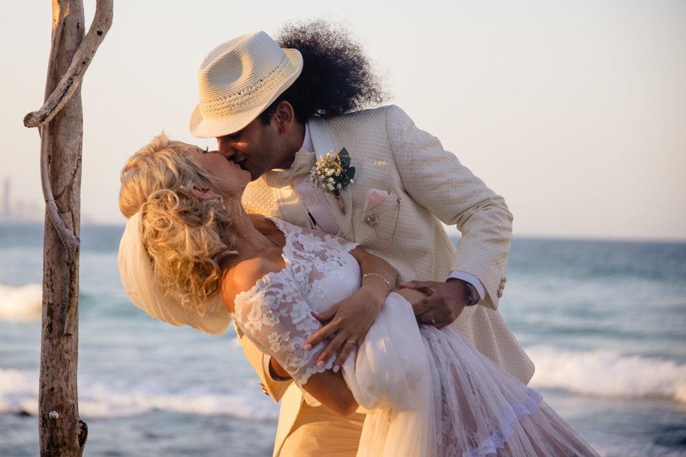Burleigh Beach Wedding Photography_-11.jpg