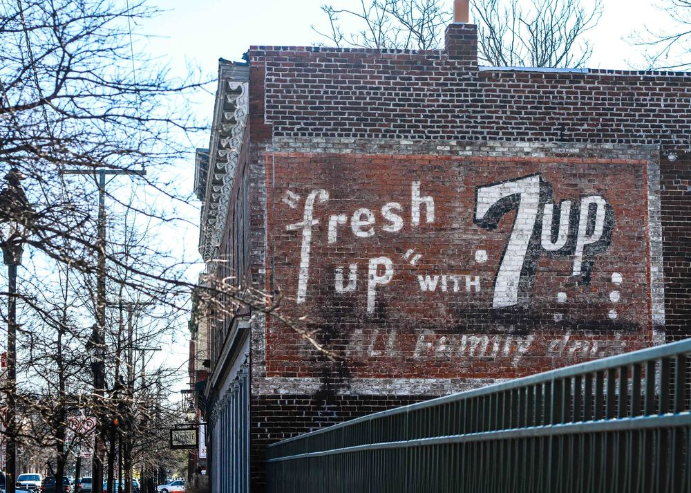 7-Up sign on Main and 22nd Street in Shockoe Bottom.