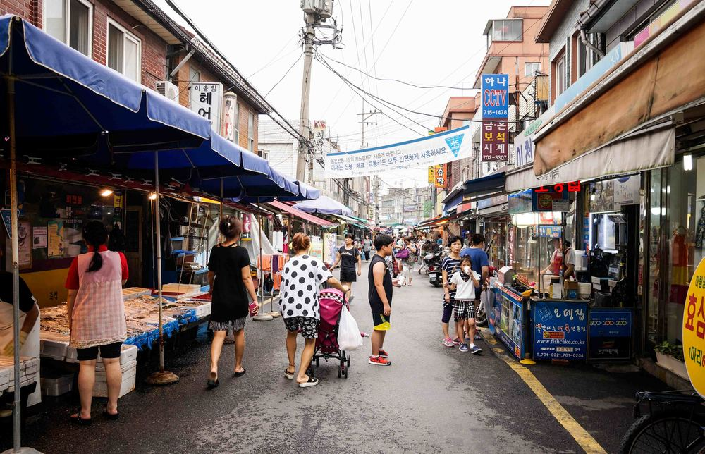 These out door Korean markets are the best places to grab street food.