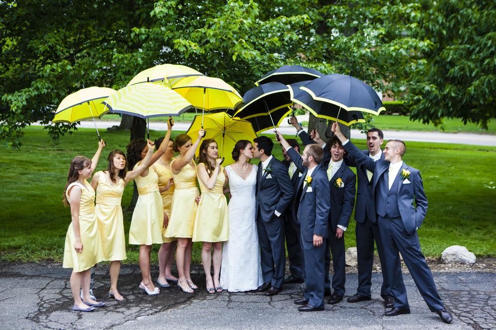 umbrellakiss-9508.jpg