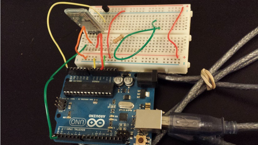 Testing my transmission code for the Arduino Uno and JY-MCU with temperature sensor data.