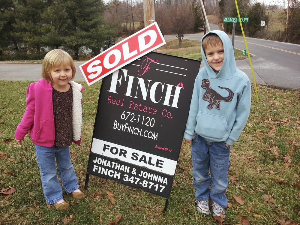 "Jonathan & Johnna Finch are fantastic! After an unsuccessful run at selling our house, ""For Sale By Owner"" we decided to give Johnathan and Johnna a try. We sold our home shortly after listing with them. I would highly recommend them to anyone! Todd & Amber Clark"
