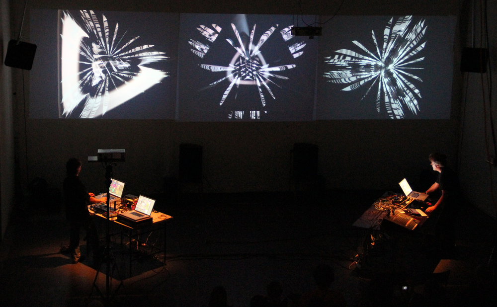 NoiseFold 2.0 performed at Institut Intermédií, Prague