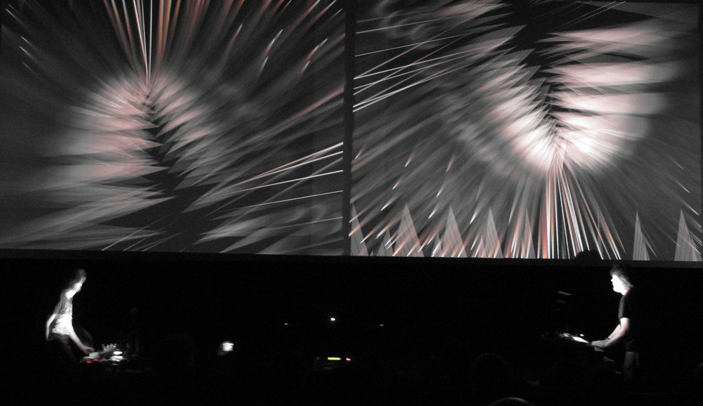 NoiseFold performs Alchimia at the Screen