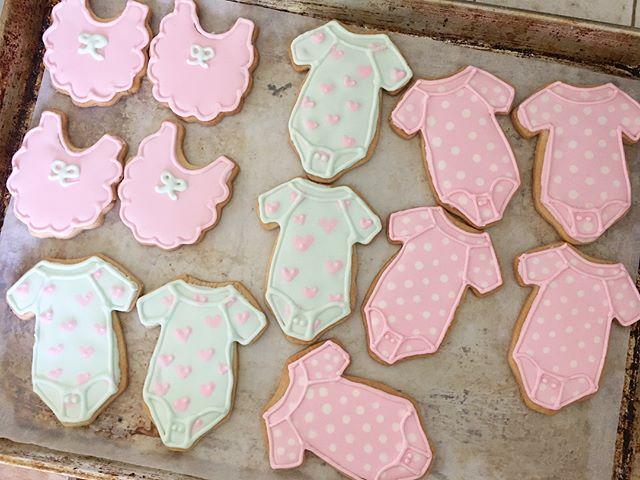 Cookies for my friends 👶🏼 🚿 #onesiecookies #babyshowercookies