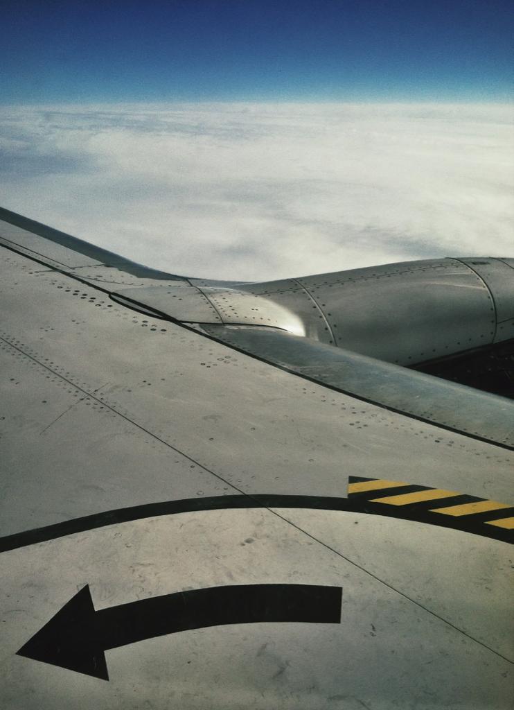 {30,000 feet}