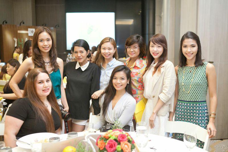 Pretty girls: Ariane, Shari, Ae, Kira, Tina, Krissy, Tellie, Mariana