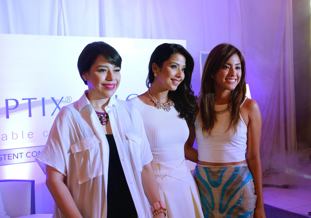At the launch of Air Optix: Celeb ambassadors Pia Magalona, Maxine Magalona, and Gretchen Ho. These women love having clear vision without sacrificing their style. Air Optix is perfect for them since there's a graded variant that's as comfortable as it is pretty.