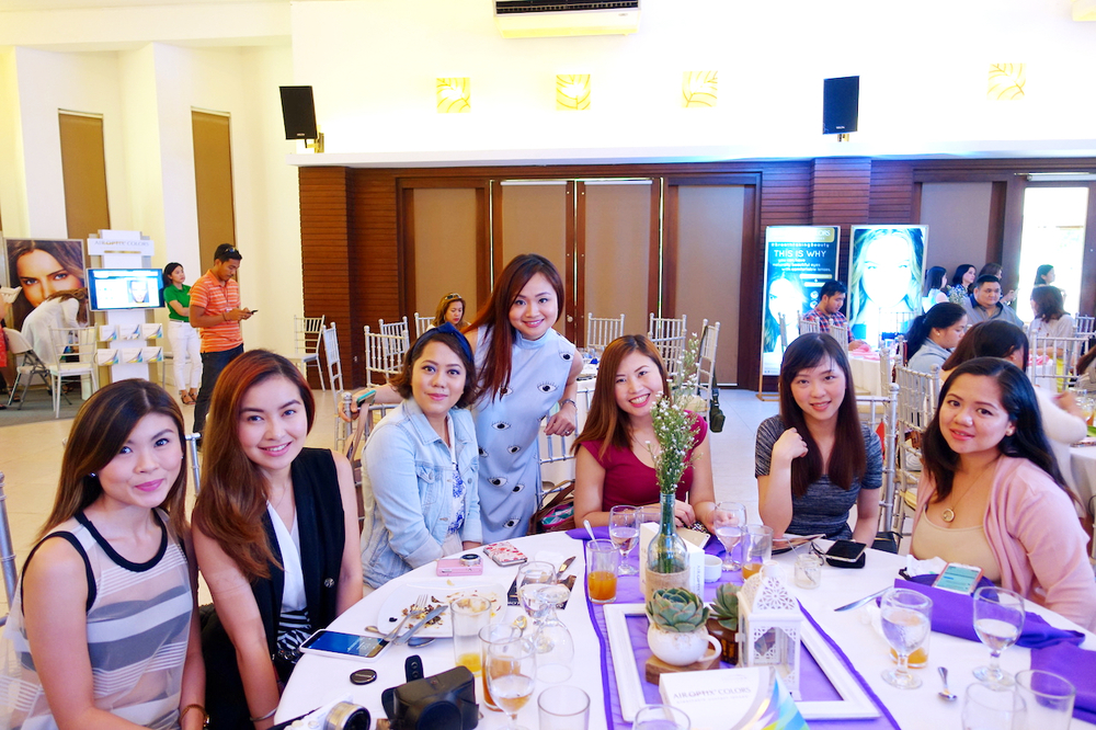 With beauty blogger friends Dior, Angela, Marj, Tara, Tellie, and Shen