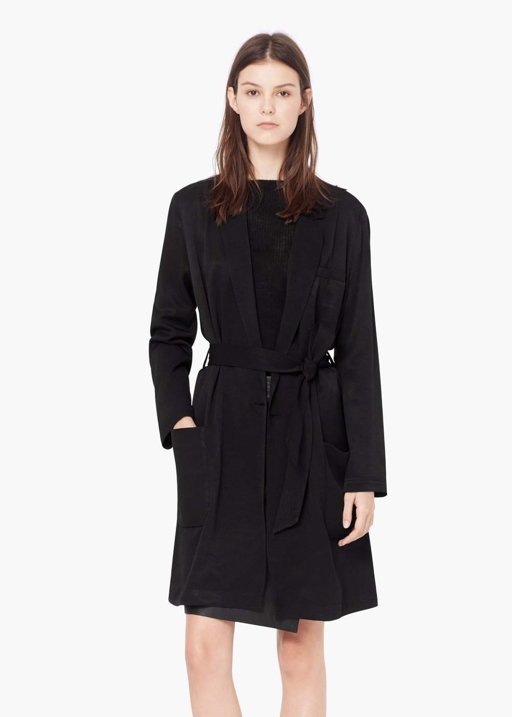 cb69ad51dc5b8 If you re shaped like an apple  Choose structured or belted coats for a  sleek look. A perfect example is the classic trench coat