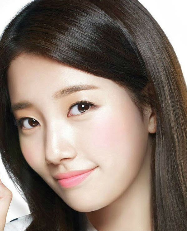 Bae Suzy for The Face Shop (Image via onehallyu.com)