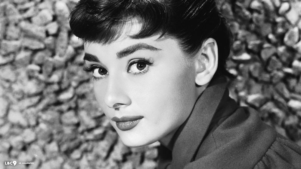 Audrey Hepburn (via lbc9.net)