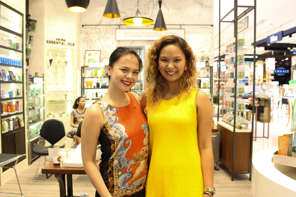 The awesome ladies of Origins Philippines: Samantha Lim (sales and training coordinator) and Niki Francisco (brand coordinator)