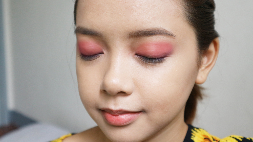 We Tried Glossy Lids And Loved It Heres How To Pull It Off