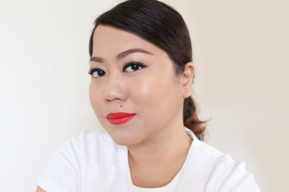 Using the La Mer liquid foundation (mixed with the concealer), concealer (under
