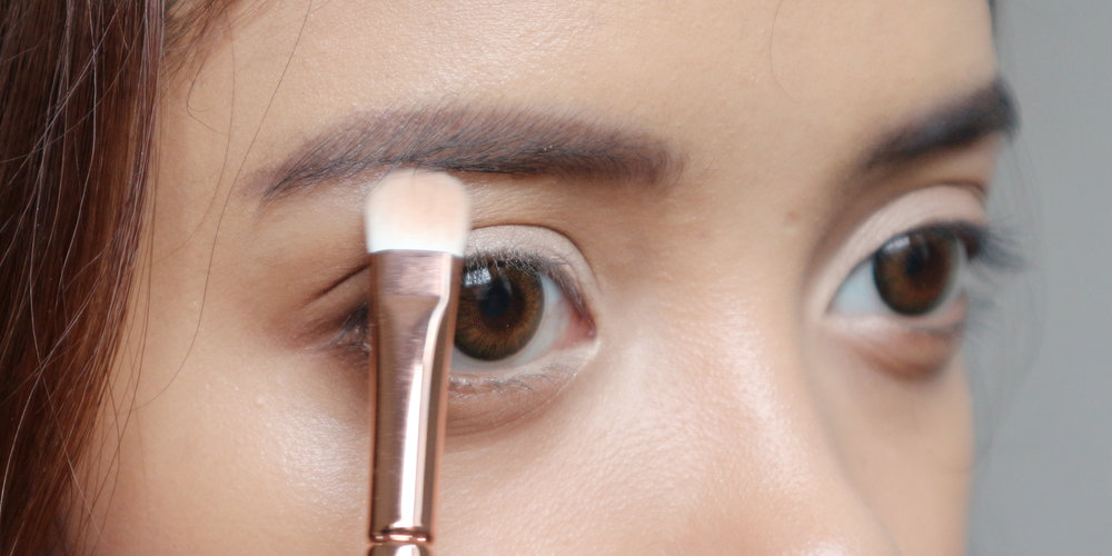 Where To Apply Highlighter On  Brow Bones