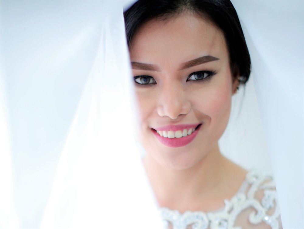 How I did my own wedding makeup using only drugstore ...