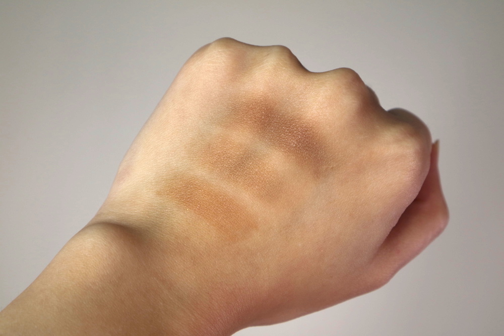 Swatches of Truetrick Brow Palette in  01 Sand