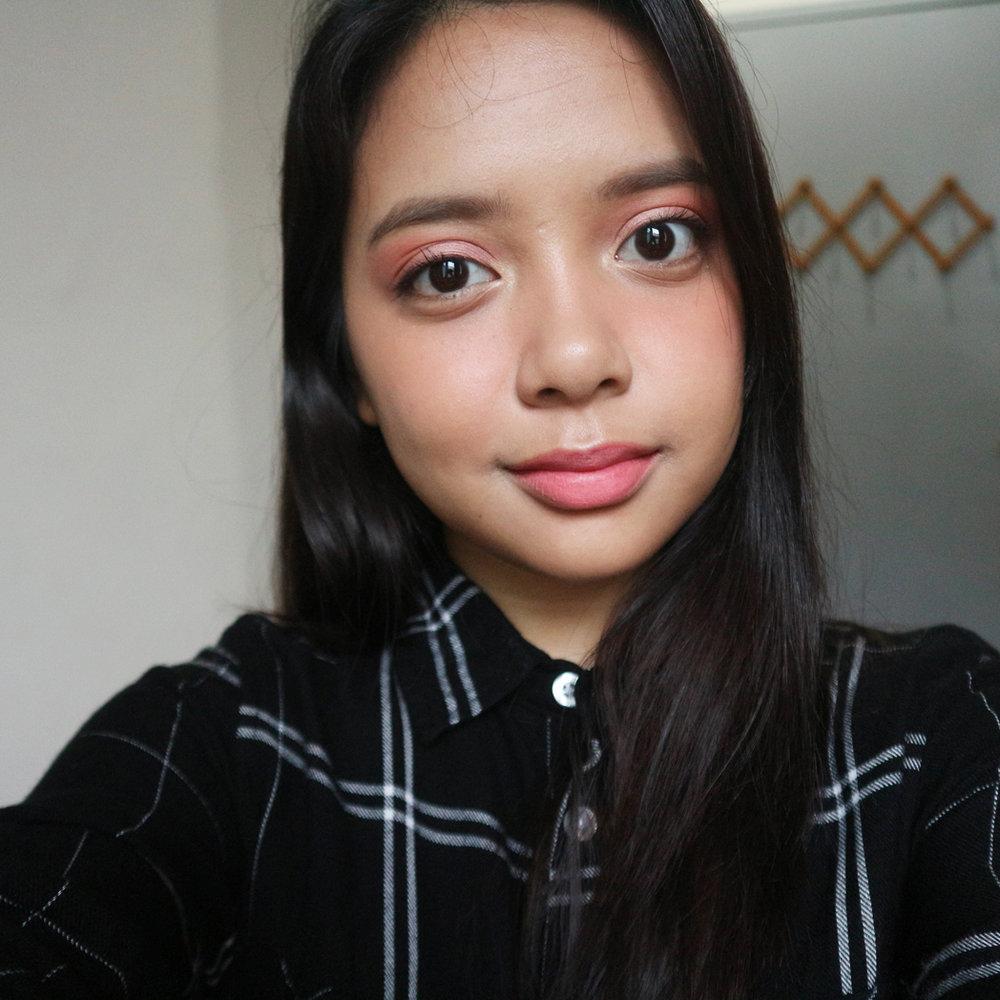 Kelsey on eyes, cheeks, lips