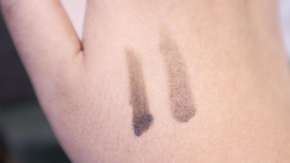 I swatched the pigment before it was applied.
