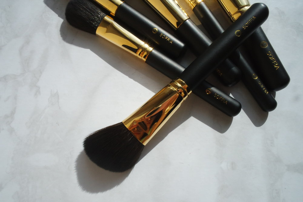 Opulence Big Cheek Contour Brush (P1,800)