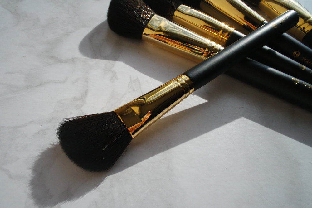 Opulence Small Cheek Brush (P1,500)