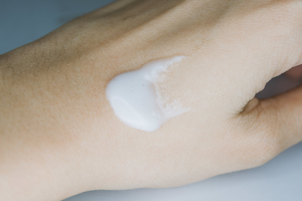 COSRX SWATCH - Snail-cream-cosrx_snail_92-snail_white-review-philippines6.jpg