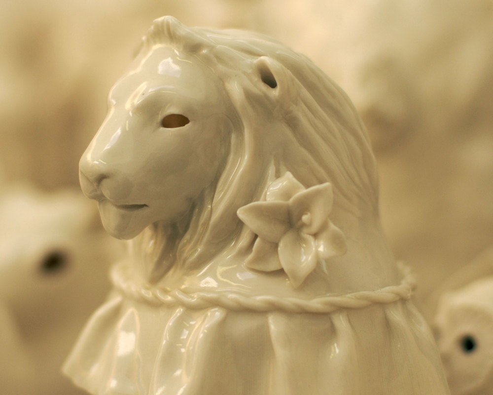 crowd-lion-porcelain-animals.jpg