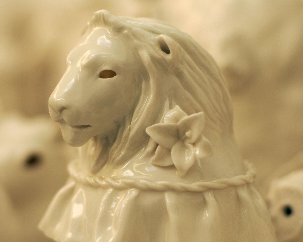 crowd-lion-porcelain-animals.jpg