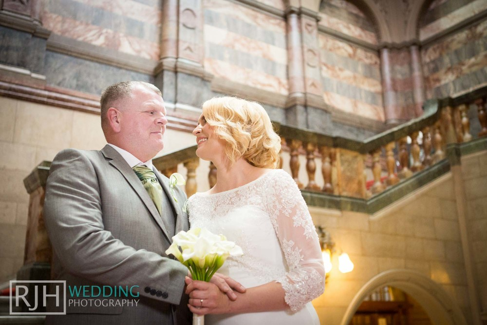 Sheffield City Hall_Ellis Wedding_173_3C2A3398.jpg