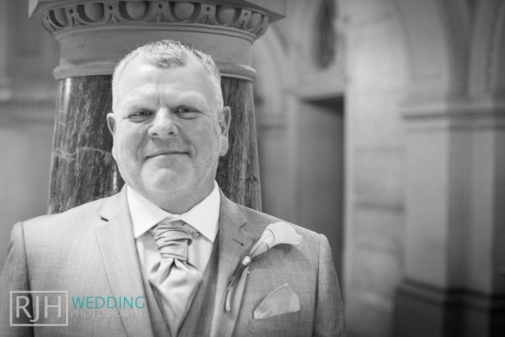 Sheffield City Hall_Ellis Wedding_208_IMG_4295.jpg