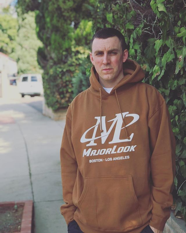 Co-Founder and resident screen printer @rog_mlb in our Fall '17 Hoody #1 — 🐎Saddle Brown Hoodies🐎 are now available for purchase! These will NOT be restocked! Majorlookboston.com/shop/saddle