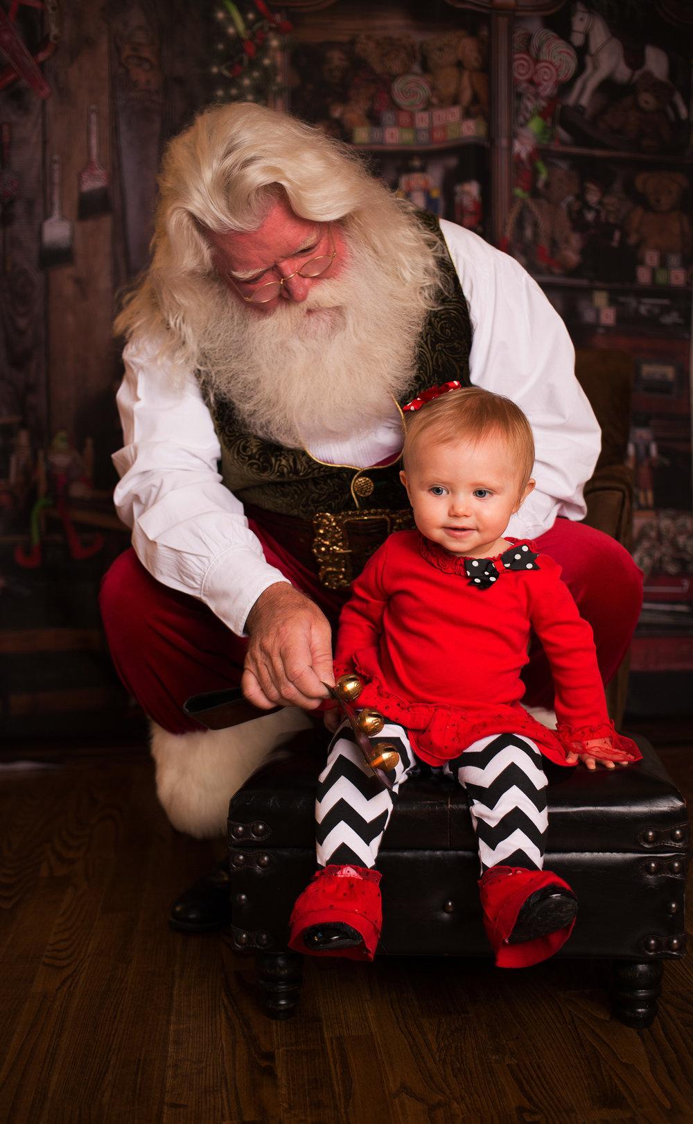 Santa - Looney-12.jpg
