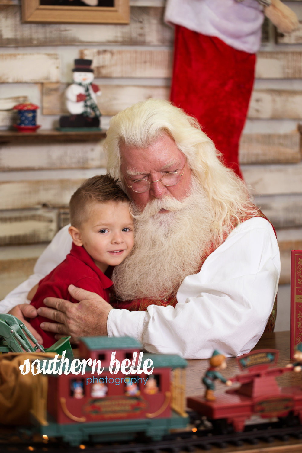 Southern Belle Photography hosted Santa on Nov 4-5 in our completely custom workshop.