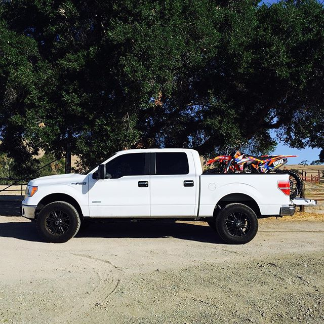 Our F-150 #Osumispotted outside of the #ZacaStation entrance.