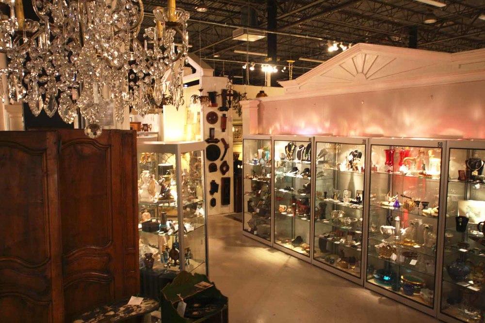 showcases from chandelier 17.01.30.jpg