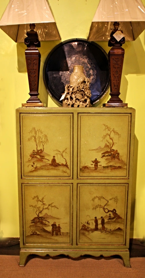 Hiden: Chinoiserie cabinet